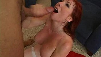 Два хуя четко влезли в рот очаровательной малышки и она произошла кастинг с сексом
