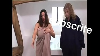 Sandra luberc раздолбала анально-вагинальную половую щелочку на огромном члене молодого человека во время трахали