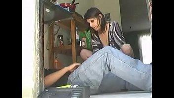 Русская девчонка лиза дала парню на диванчика