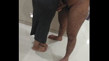 Русская милашка нашла способ удержаться мужчины, занявшись с ним анально-вагинальным трахом